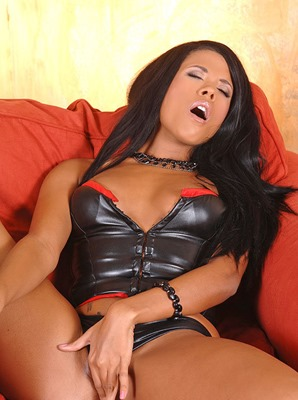 keisha-kane-in-leather